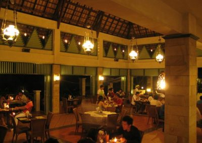 Candlelight-dinner-in-Omlandia5